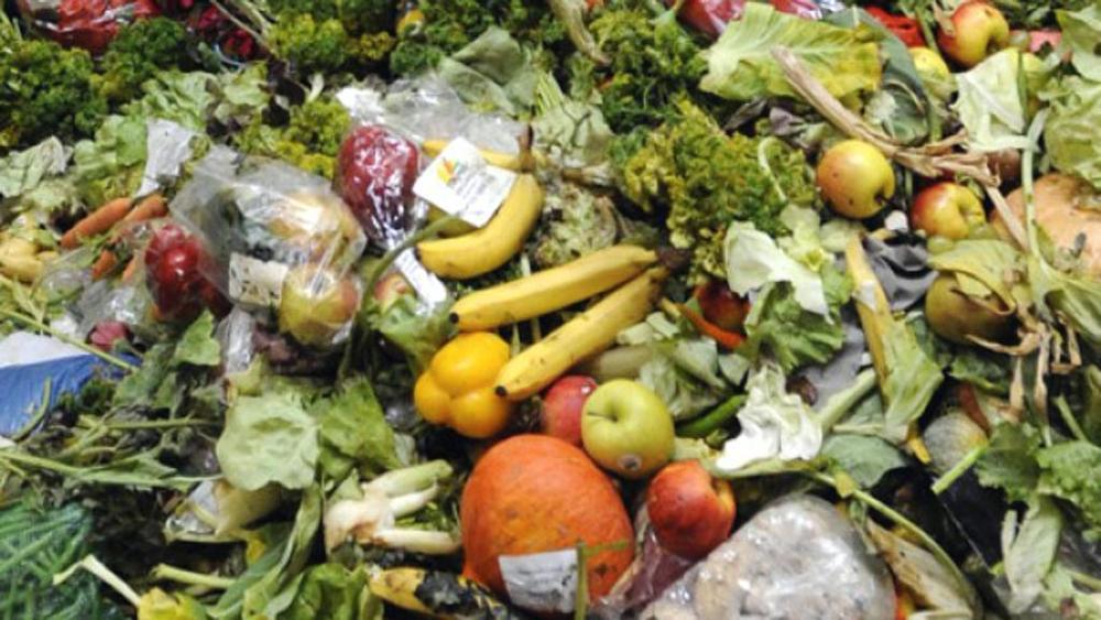 Sprechi alimentari: i curiosi racconti di una ex-dipendente di supermercato