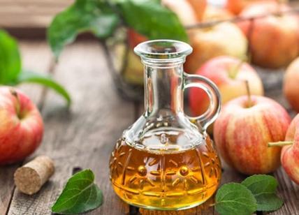 Autoproduzione domestica, arriva la rubrica #diymonday: aceto di mele e multiuso